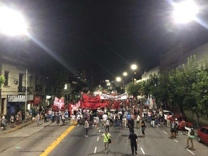 Caminan toda la noche hacia La Plata para entregar propuestas a Kicillof