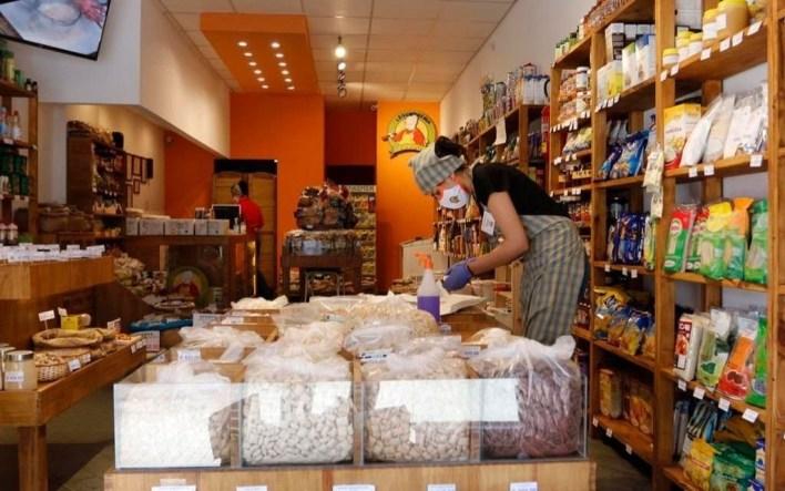"""Comerciantes platenses dicen que el cierre total """"es acertado"""" pero reclaman """"asistencia"""""""