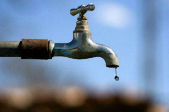 """Carolina Bojorge: """"Estamos sobrellevando la pandemia sin agua durante seis días"""""""