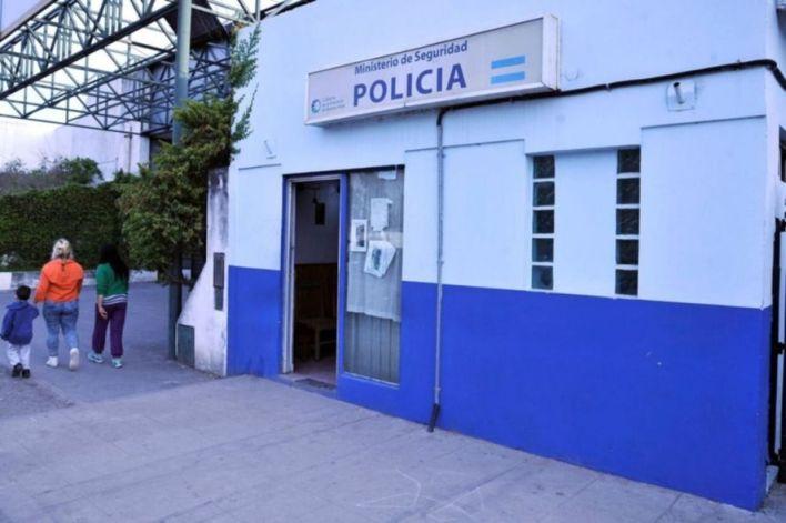 La Plata: persiguió con una navaja a la expareja que iba con una beba a upa