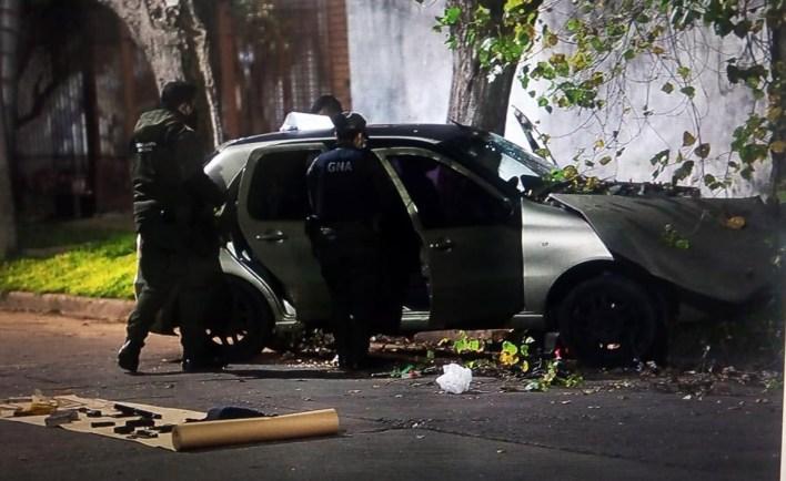 Morón: policía mató a un delincuente e hirió a otro en un auto cuando intentaron secuestrarlo