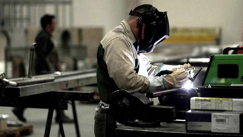 La actividad económica cayó 2 por ciento en mayo respecto a abril