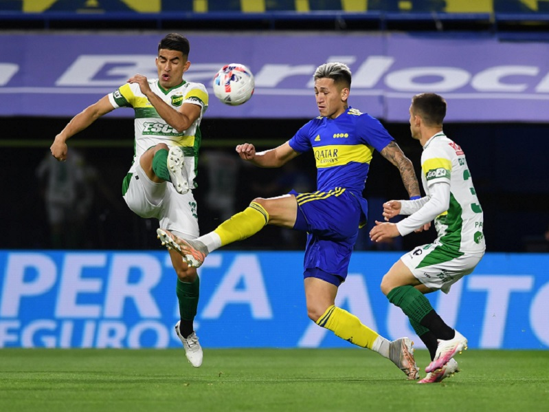 Boca no pudo con Defensa de local y Talleres se mantiene arriba con Lanús