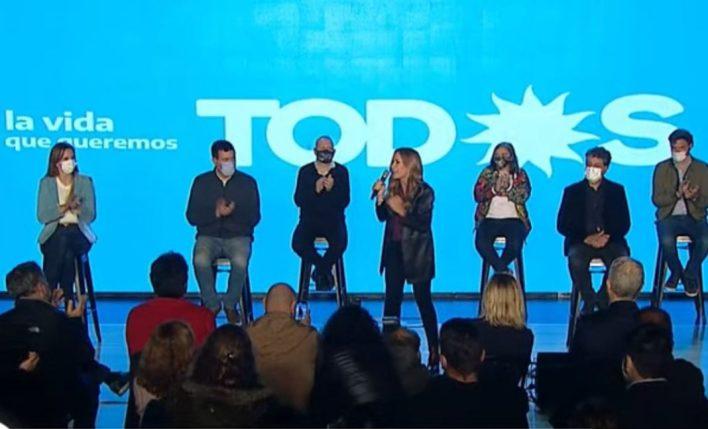 Tolosa Paz en el cierre de campaña del FdT en La Plata