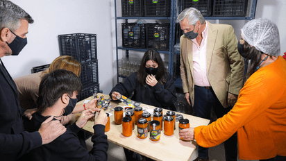 Hurlingham: Alberto Fernández visitó una fábrica local