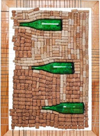 Ideas para reciclar corchos mural con botellas