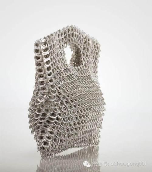 Cómo unir anillas de latas para reciclaje, modelo de bolso