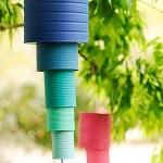 Movil de viento hecho con latas recicladas