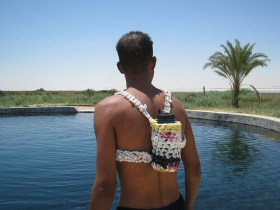 Mochila crochet tejida con bolsas recicladas