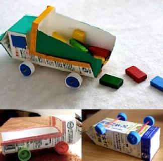 Juguetes con materiales reciclados camiones de cajas de leche
