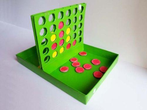 Juguetes con materiales reciclados juego 4 en línea