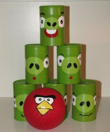juguetes con materiales reciclados juego de bolos hecho con latas