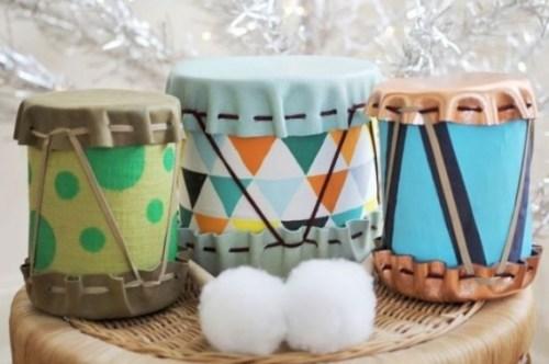 juguetes con materiales reciclados tambores hechos con latas recicladas
