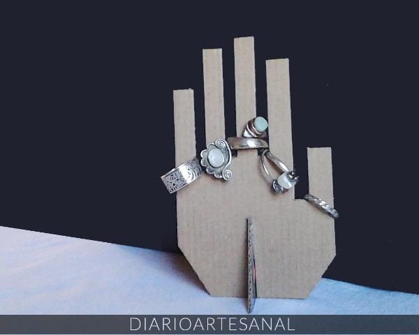 Reciclaje de cartón porta anillos de cartón reciclado terminado