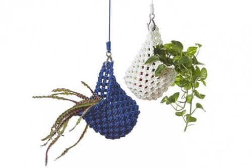 Ideas para decorar con macramé maceteros colgantes