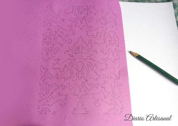 Dibujamos con lápiz el diseño repetido