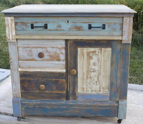 Decapado para madera 3 t cnicas decorativas para pintar for Muebles restaurados en blanco