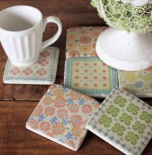 Manualidades faciles posavasos con decoupage sobre azulejos