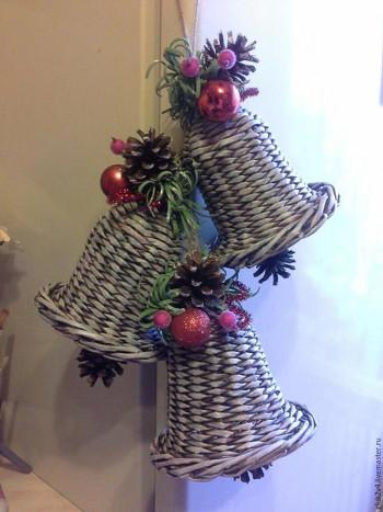 Campanas de papel reciclado para navidad