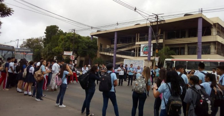 jovenes-paraguayos-diarioasuncion