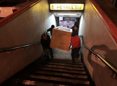 Resultado de imagen para Metro retira 75 módulos de comercios vendidos por estafadores