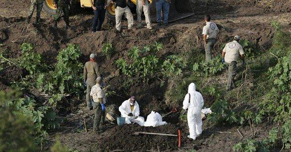 Exhuman 35 cadáveres de tres fosas clandestinas en Jalisco — México