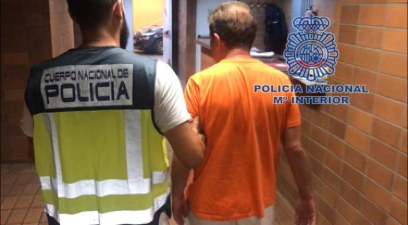Un hombre intenta llevarse a su casa a una niña de 10 años durante las fiestas de Hogueras en Alicante