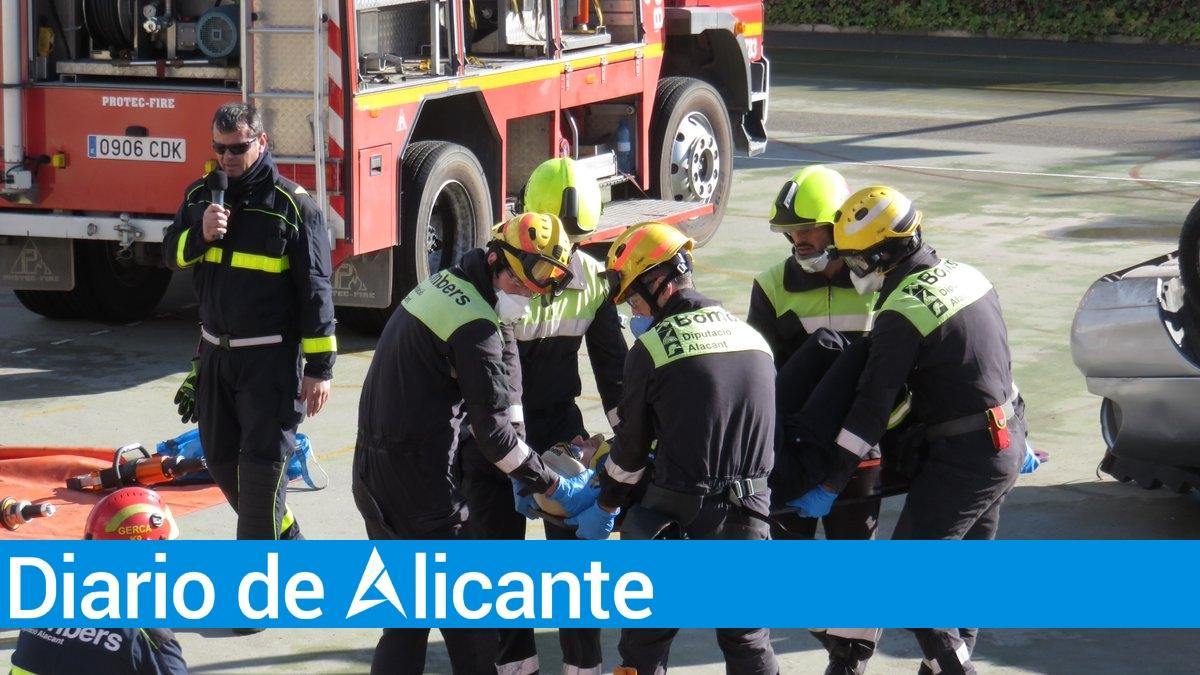 Tres heridos en un incendio de una vivienda en Alicante