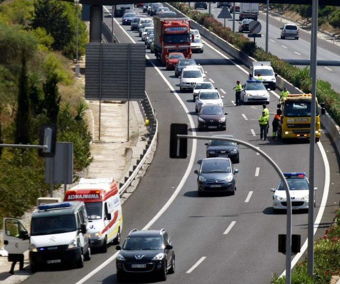 Una joven fallece al volcar el coche que conducía en El Campello