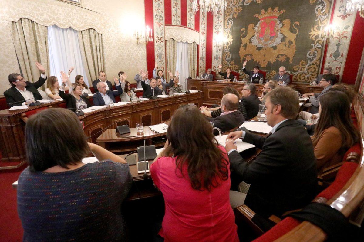 Alicante aprueba la rebaja del IBI en un 5 por ciento e inversiones por más de 12 millones de euros en los barrios de la ciudad