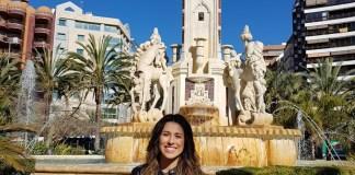 Aitana Mas en la Plaza de los Luceros/Alex Ferrer.