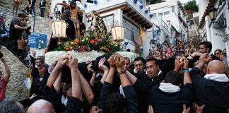 La carismática procesión del Barrio de Santa Cruz de Alicante / El diario Información.