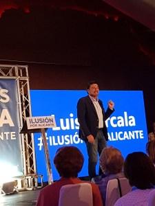 Barcala interviniendo en su presentación /Alex Ferrer