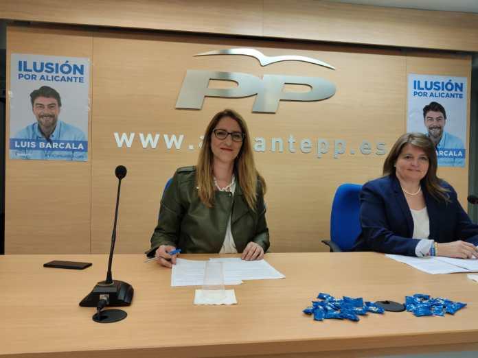Llopis y de España en la presentación de las propuestas del PP / Populares Alicante