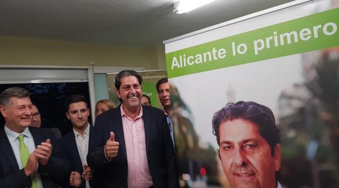 Fernando Sepulcre sonriendo en su presentación oficial con Contigo Alicante / Alex Ferrer