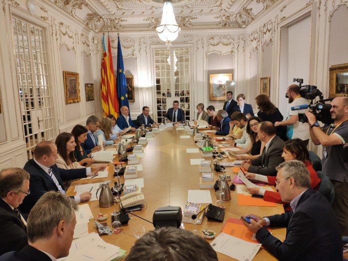 Reunión de la Junta de Portavoces de Las Cortes Valencianas con la presencia de Ana Vega (VOX)