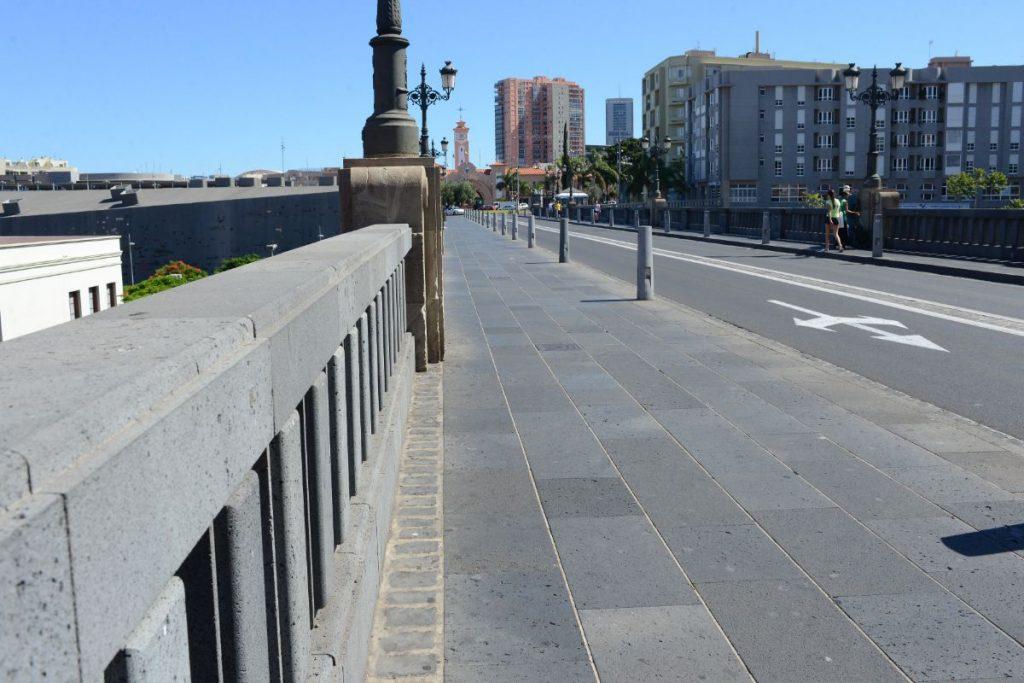 El puente al que da nombre el general Serrador es uno de los susceptibles de ser cambiado. / S. M.