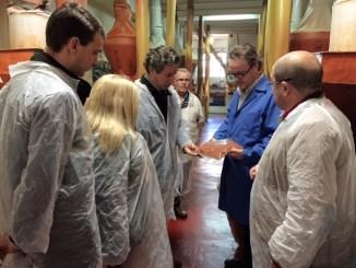 Carlos Floriano visita empresas en la comarca de La Vera