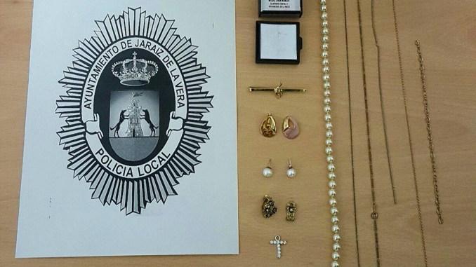 La Policía Local de Jaraíz de la Vera recupera varias joyas sustraídas en Navalmoral de la Mata
