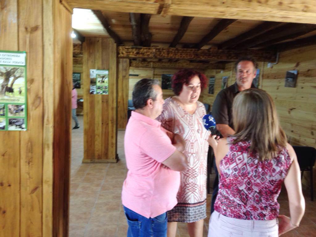 Begoña García visita el Centro de Interpretación Caprivera de Losar de la Vera