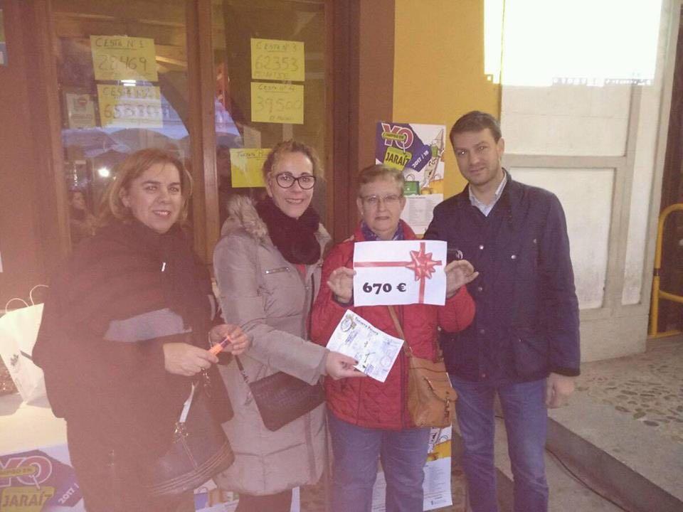 """Números premiados de las cestas de la campaña de Navidad """"Yo Compro en Jaraíz"""" 2017 y ganador de la Tarjeta Picota"""