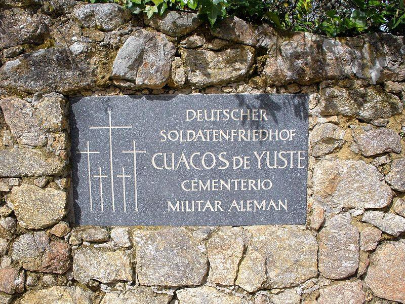800px-Cuacos_de_Yuste_-_Cementerio_Militar_Aleman_01