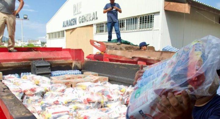 Gobierno del Estado y DIF Nayarit, entregan apoyos directos a miles de familias en Tuxpan.