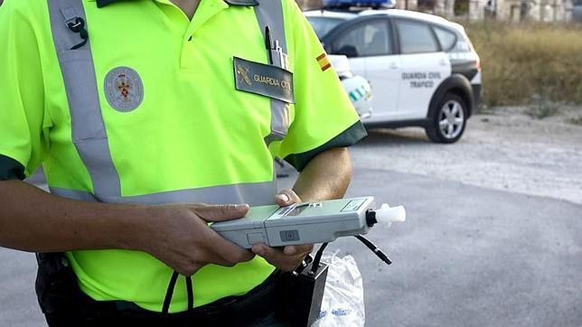 Investigado el conductor de un camión portavehículos por sextuplicar la tasa de alcoholemia