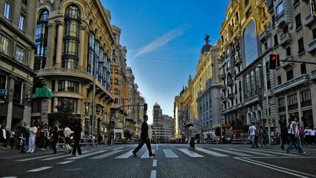 Madrid, prohibe, circular, camiones, centro, miércoles, sábado,