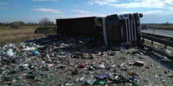 retenciones, AP-7, camión, cargado, cristal, vuelco, cargado,