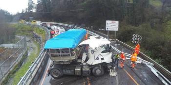 informe, policial, accidente, camión, autobus, fallecieron conductores,