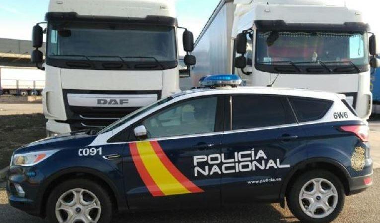 detenidos, robar, baterías, camiones,