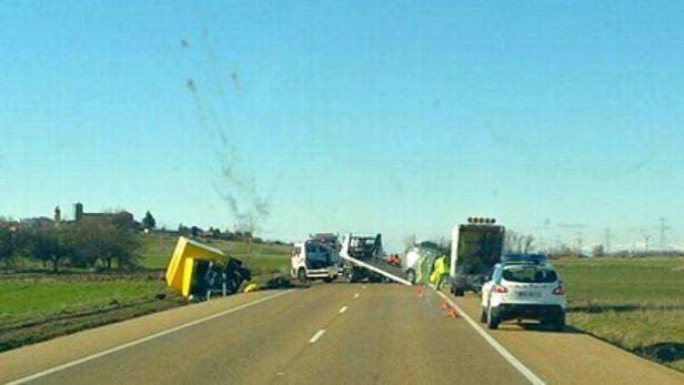 dos, fallecidos, accidente, camión, furgoneta, N-601