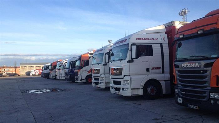 Europa, España, camioneros, internacional, cabina, camión, fines de semana,